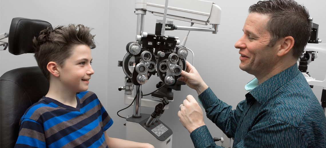 http://www.drdube.ca/fort-erie-optometrist/wp-content/uploads/2016/05/eye-examination-youth-1140x520.jpg